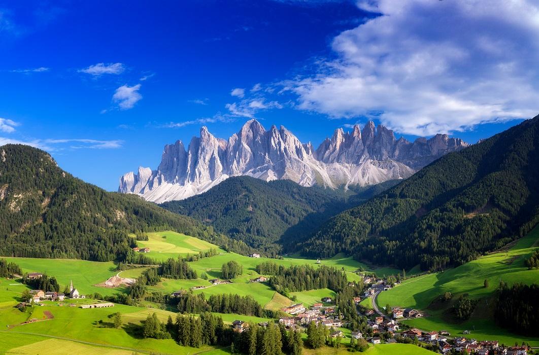 Le 20 valli alpine più belle d'Italia