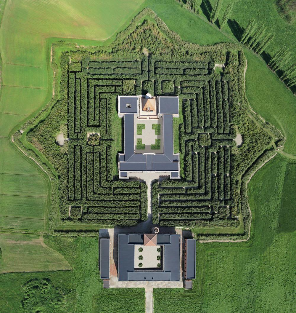 """I """"castelli delle donne"""" nel parmense e il Labirinto della Masone"""