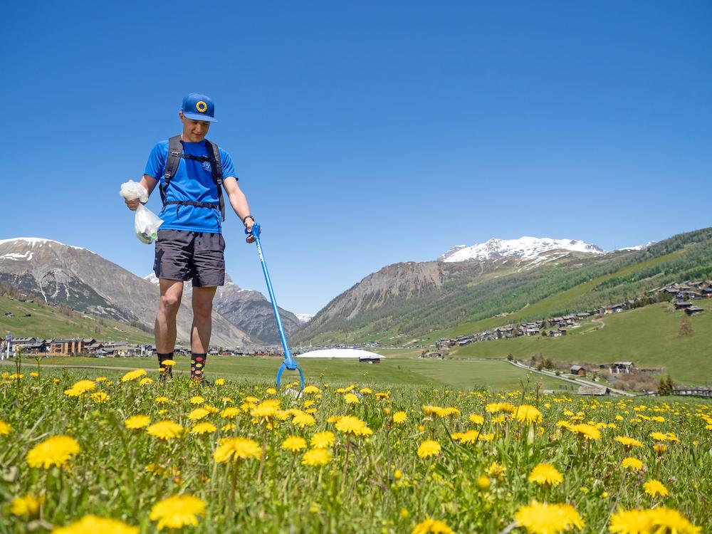 Plogging: il trekking che fa bene alla natura arriva a Livigno