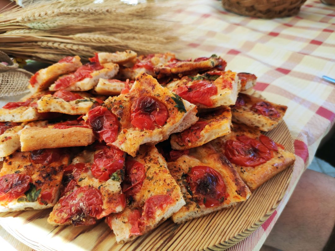 Focaccia, il simbolo dello street food locale
