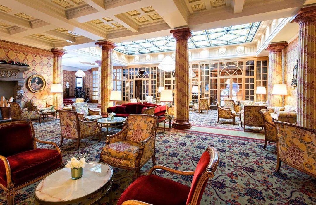 High tea nella lobby del Badrutt's Palace e cocktail nel Kulm