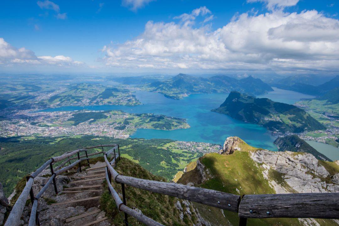 A Lucerna, tra lago e vette ad alta quota