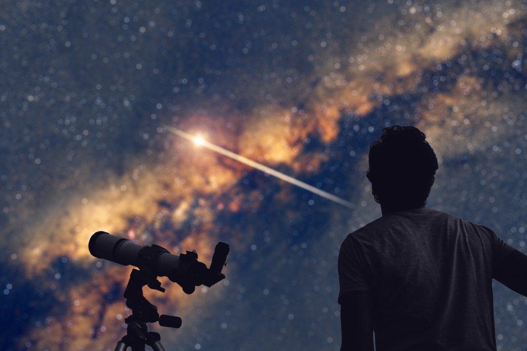 Gli strumenti più adatti per osservare le stelle cadenti