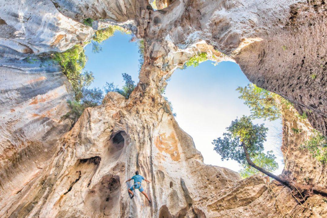 Dove arrampicare in Italia: i posti più belli per il free climbing