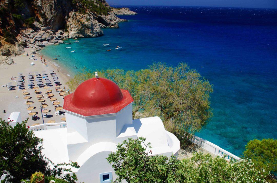 LA spiaggia di Kyra Panagia è una delle spiagge più belle di Karpathos, da vedere assolutamente