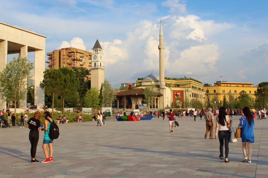 Tirana capitale europea della gioventù 2022: cosa fare e vedere in città