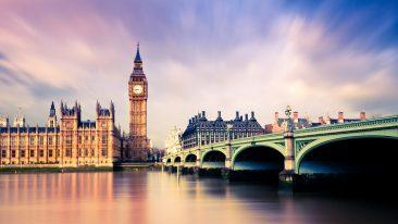 Dal 1° ottobre serve il passaporto per viaggiare nel Regno Unito: ecco le regole da sapere